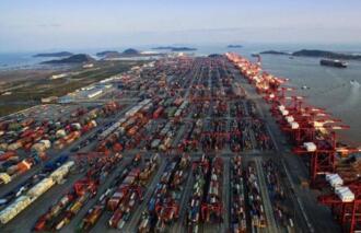 中國最大的港口:上海港口(也是世界最大的港口)