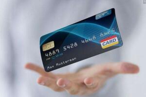 微粒貸和信用卡哪個好,貸款選擇微粒貸還是信用卡