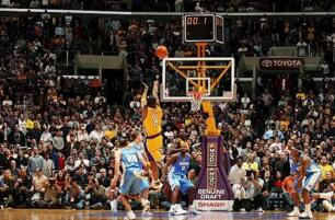 NBA第四節得分排行榜:小托馬斯諾維斯基29分並列第一,科比28分第三