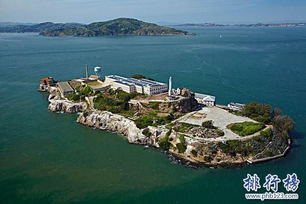 美國最嚴密的監獄:舊金山惡魔島監獄,四面都是海和鯊魚