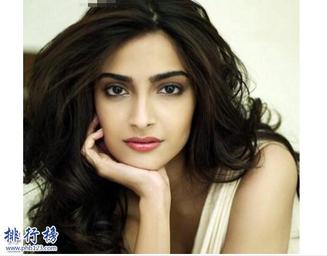 印度十大美女排行榜:盤點印度最性感美麗的人氣女明星