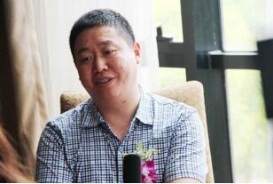 湖北襄陽南漳首富:鄭自偉,擺攤賣梨竟成億萬富翁