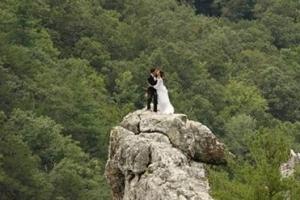別樣的婚禮方式 盤點全球最刺激的婚禮現場