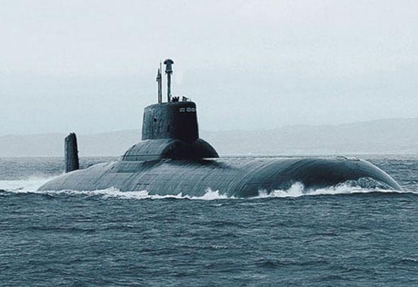 俄羅斯颱風級核潛艇圖片